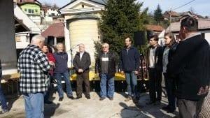 Borovnica-tržnica-pevci