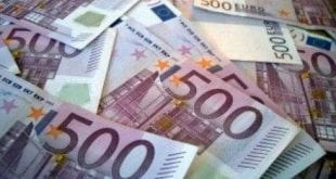 Najmanj 400.000 evrov podkupnin za odobritev bančnih poslov