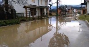 Poplavljena Škocjanska pot na Rakeku. 29.2.2016. Foto: Ines Mele