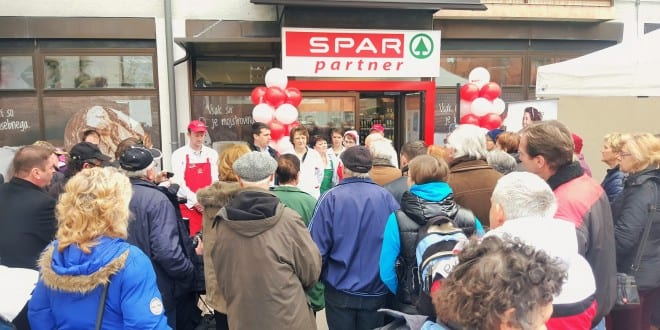 Trgovina Spar partner Cerknica. Robert Blatnik, Rotra d.o.o. in Spar Slovenija. Foto: Miha Belca