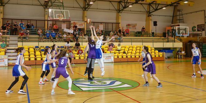 Cerkniške košarkarice U15 danes za 3. mesto