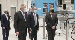 Podjetje Pet Pak odprlo nove proizvodno-poslovne prostore v Postojni
